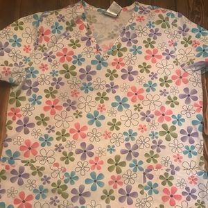Flower scrub top